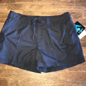 Kanu Women's Breeze Shorts in Black Size 8